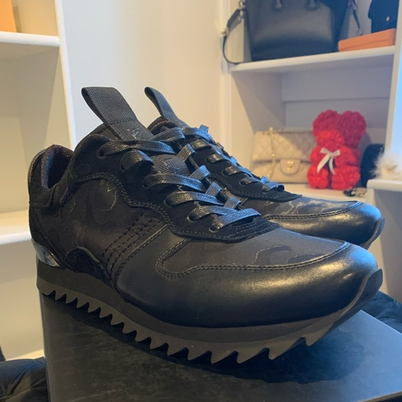 Karl Lagerfeld Pariscamo Runner Sneaker